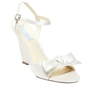 Betsy Johnson Daisy Wedge Shoes-NWOB